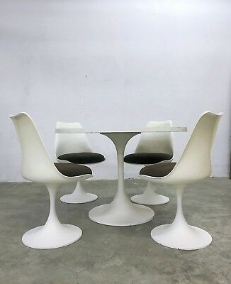 Vintage 60s Space Age Saarinen Era Tulip Chairs with Table by Tamburin, Germany