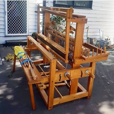 Beautiful 4 shaft floor large weaving loom natural timber excellent condition