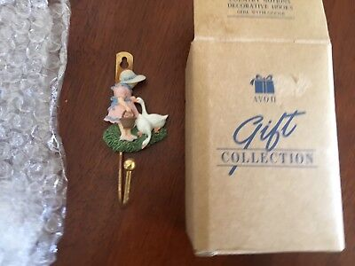 collectable AVON Country Notions Decorative Hook - Girl With Goose
