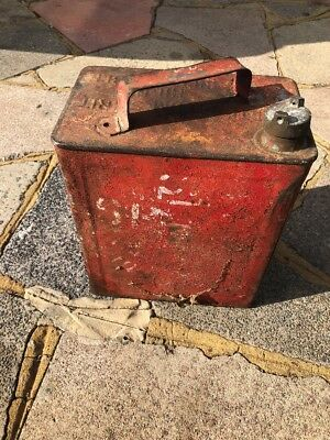 Vintage 2 Gallon Valor Petrol Can