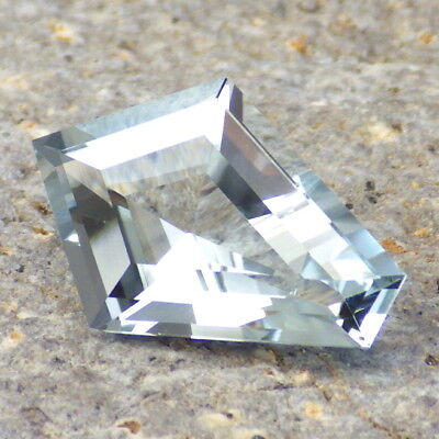 UNTREATED BLUE TOPAZ-URAL / RUSSIA 6.44Ct FLAWLESS-BEAUTIFUL NATURAL COLOR!