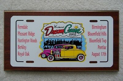 Michigan – Woodward Dream Cruise 2002 License Plate Plaque – Look