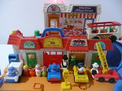 Vintage Fisher Price Little People Play Family Main Street