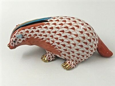 Herend Rust Fishnet Badger Figurine 5.75 Inch Made in Hungary (18-1078)
