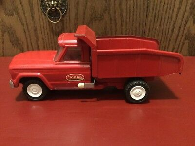 "VIntage Tonka Jeep Dump Truck Collectible Pressed Metal Red 1960's 9.5"" Long."