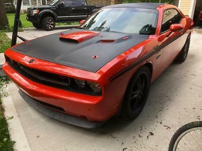 2009 Dodge Challenger  2009  Dodge Challenger 5.7 L HEMI. Mint condition, Performance Look, only 50K