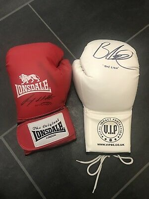 Genuine Signed Ricky Hatton Boxing Glove