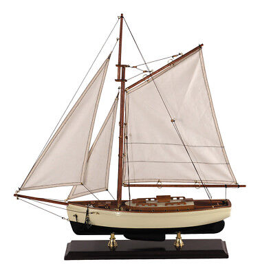 Authentic Models 1930s Classic Yacht, Small - Classic Yacht, Small