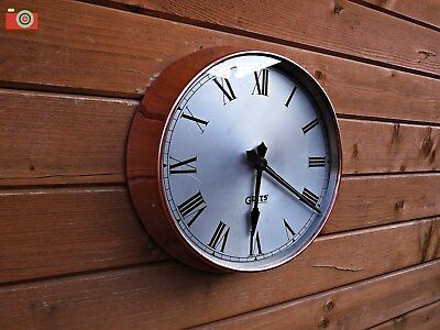 A VINTAGE 1960's GENTS WALL CLOCK, RESTORED & CONVERTED TO BATTERY POWER!