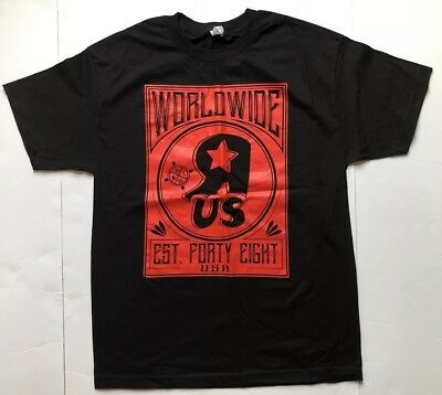 Black & Red Collectible Toys R Us World Wide  T Shirt New Rare Size Large