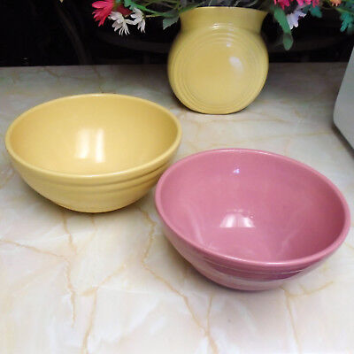 Set of 2 Vintage Pfaltzgraff 1940s Stoneware Mixing Bowls in Yellow and Pink