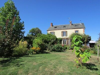5 bed 2 hectare house in Limousin, fully modernised