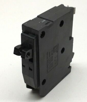 Square D QOT2020 20-Amp Single-Pole Tandem Circuit Breaker 20A Hook Style