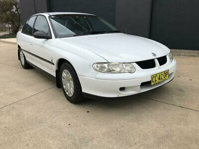 2001 Holden Commodore VX Executive Sedan 4dr Auto 4sp 3.8i White Automatic A