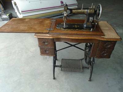 ANTIQUE WHITE ROTARY Treadle Sewing Machine Set Of Attachments New Antique White Rotary Sewing Machine