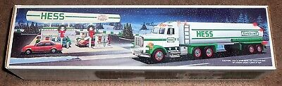 HESS TRUCK 1990 NEW IN BOX Toy Tanker