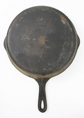 """VTG WAGNER WARE SIDNEY-0- CAST IRON SKILLET 1058 LOOP HANDLE w/ 2 SPOUTS 10"""""""