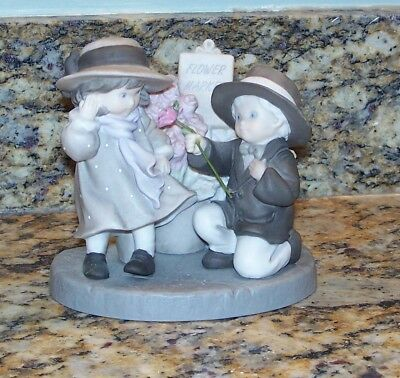 Enesco Pretty As A Picture Forever My Love Boy & Girl Figurine 324396 NBM Bahner