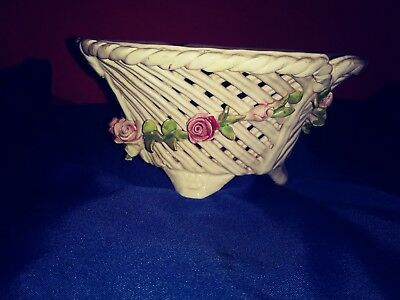 Capodimonte Marked Italy Basket Weave Stlye Mini Pink Roses porcelain