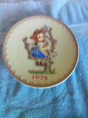 Hummel Goebel Annual Collector Plate - 1976