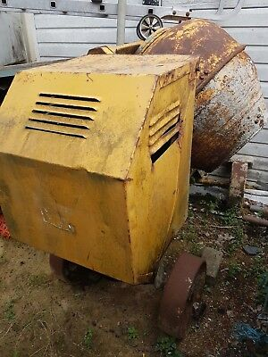 Large Cement Mixer - DIESEL ENGINE - Reliable, good working condition