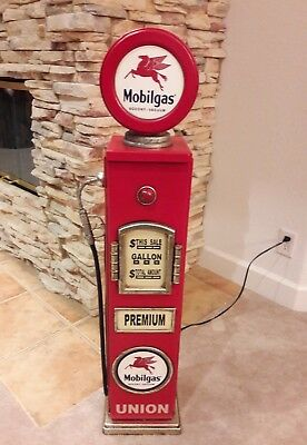 "42"" Mobil Pegasus Gas Pump Cabinet with light. Mancave/Gameroom."