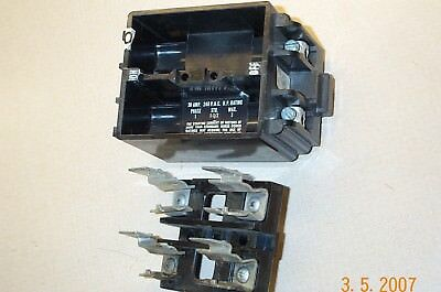 Square D Fsp-230 Fsp 230 Fsp230 2Pole 30Amp Fuse Block With Fuse Holder Pullout