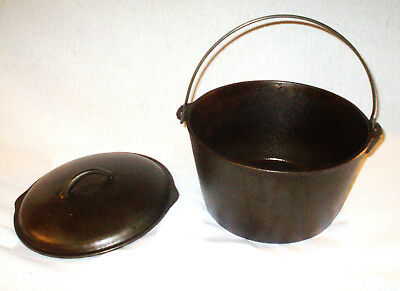 Vintage 10 inch (No.C8) Dutch Oven Cast Iron With Basting Lid .Unbranded