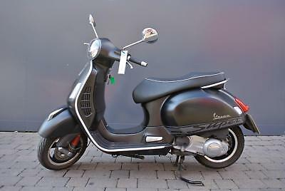 Piaggio Vespa GTS 300 SuperSport Matt Black Scooter Motorycycle