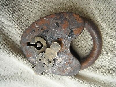 ANTIQUE M W & CO BRASS PADLOCK LOCK HEART SHAPE, MALLORY & WHEELER. No key