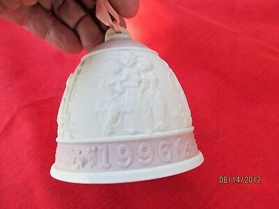 LLADRO 1996 BISQUE PORCELAIN CHRISTMAS ORNAMENT BELL KIDS caroling playing ropes