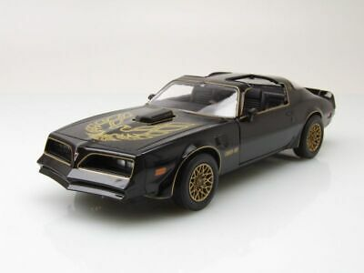 Pontiac Firebird Trans Am 1977 Smokey and the Bandit Modellauto 1:24 Greenlight