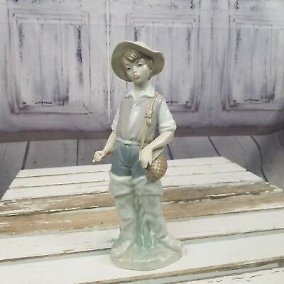 Lladro 4809 fisherman boy AS IS no rod gone fishing young man fisher waders