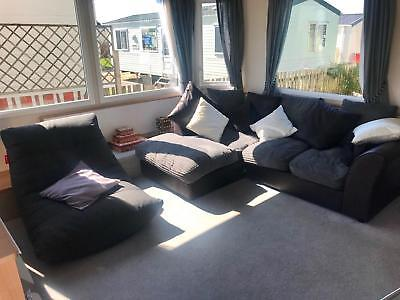 Double glazed & Centrally Heated caravan with Freestanding furniture
