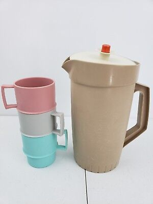 Vintage Tupperware Pitcher 800-10 Brown 2 Quart with Lid. 3 cups- colorful