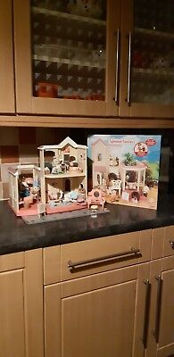Sylvanian Families Beauty Salon boxed with extras vgc