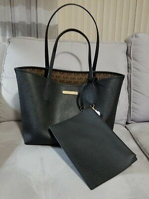 93a0b37ba36e NWT Michael Kors Candy Large Reversible Tote Brown Khaki Signature BLACK