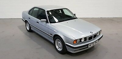 BMW 525i SE E34 top specification, perfect