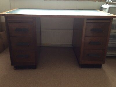Traditional office desk with 6 draws and green leather work surface