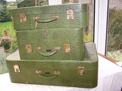 RARE VINTAGE late 40's LUGGAGE 3 PIECE SET 'PUKKA LUGGAGE' FAUX CROCODILE SKIN