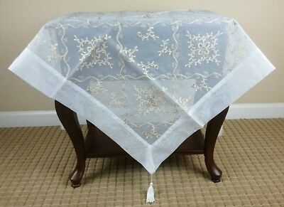 Grant Linen Embroidery Beads Table Topper
