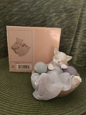 """""""Comfy Kitty"""" NAO porcelain figurine by Lladro"""
