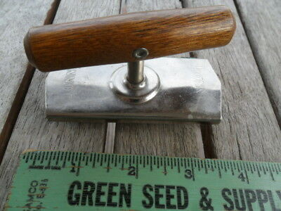Vintage Bonny Top Off Jar Opener Screw Top Wood Handle Kitchen Tool