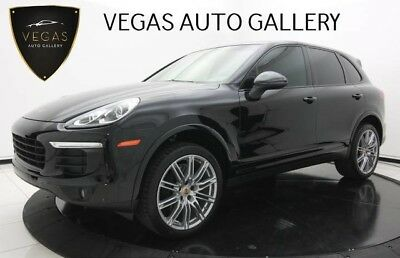 Porsche Cayenne  Pano Roof, 21-Inch Wheels, Platinum Edition