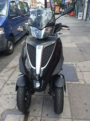 Piaggio MP3 300 Yourban  LT Black 2012 Scooter Tricyle