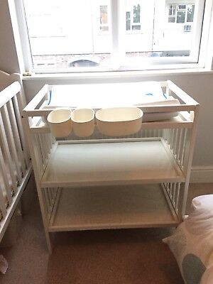 Excellent White Change Table With Mat And Washable Covers - Can Deliver Locally