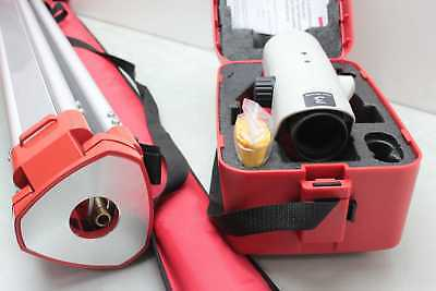 New Leica NA724 Automatic Auto Level Plumb Tool w Case / Tripod / & Carrying Bag