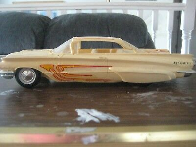 Vintage AMT Rare 1960 Buick 2dr Hardtop Screw Type chassis 1/25