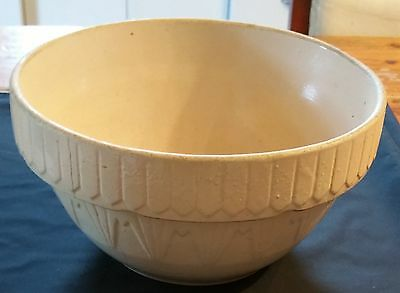 "Vintage USA Large White 10"" Mixing Bowl Stoneware Pottery PIcket Fence"