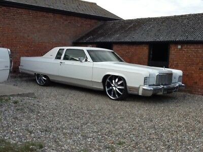 """1975 Lincoln Continental Town Coupe. Bagged. New 24"""" rims & tyres. Just in, V5"""